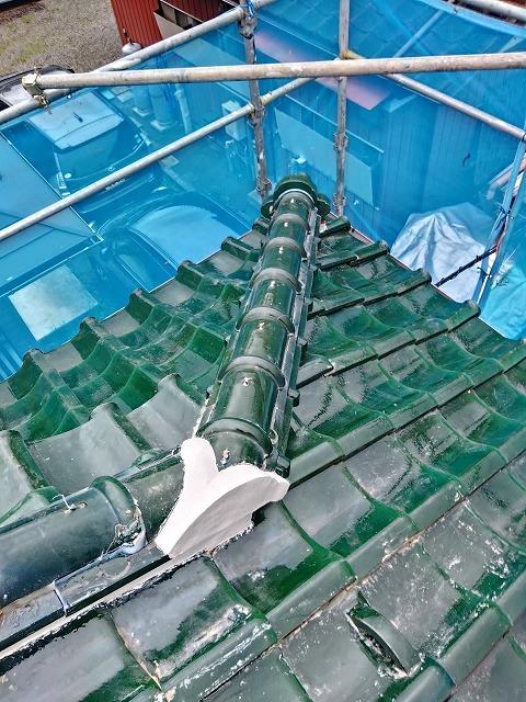 宮城県で地震被害で破損した隅棟を元の瓦を再利用して修繕工事