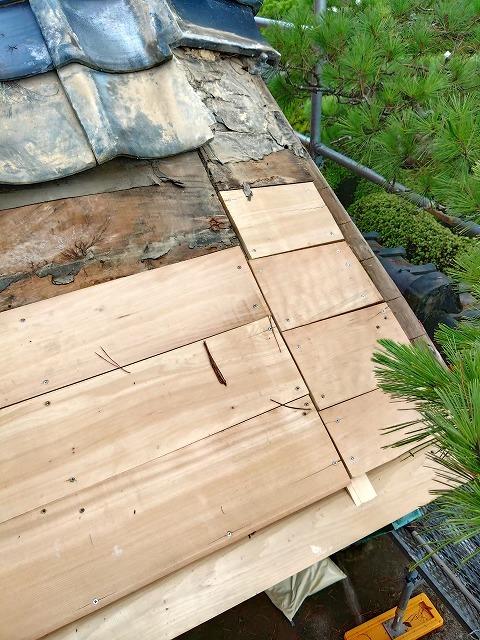 屋根修繕工事の木工事